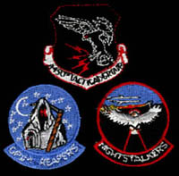 [Unofficial 4450th TG gaggle patch (REPRO) worn by Lockheed employess, and later by 4450th TG commanders. (Webmaster's Private Collection)]