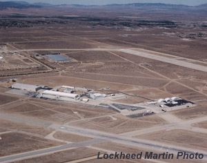 [TSPR buildings on the left, F-117A CTF hangers on the right. (Lockheed Martin Skunk Works)]